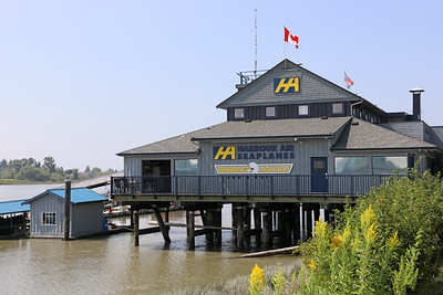 Harbour Air Seaplanes Terminal Flying Beaver Bar & Grill