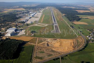 Hahn, Germany - Frankfurt–Hahn Airport (Flughafen Frankfurt-Hahn) (IATA: HHN, ICAO: EDFH) (Rainer Bexten). Image: 913406.