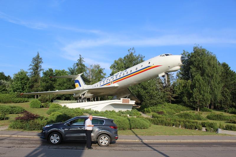 Chișinău International Airport (KIV) – ER-65036 Tu-134 Display