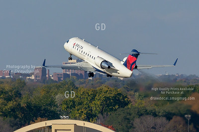 Delta Connection CRJ200