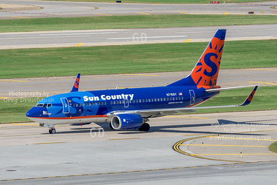 Sun Country 737-700