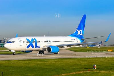XL 737-800