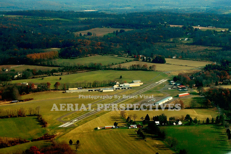 Alexandria Field (N-85) Pittstown NJ Runways 8/26   2,550' x 60'  Asphalt Runways 13/31  1,804' x 100' Asphalt/Turf