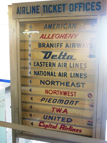 Washington Ronald Reagan National (DCA) – Preserved Signage