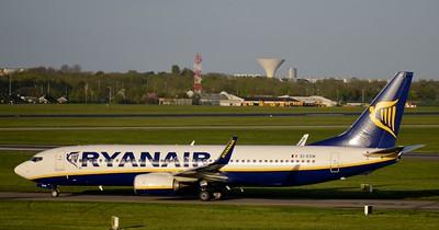 EI-EVW Dublin Airport 4 May 2015