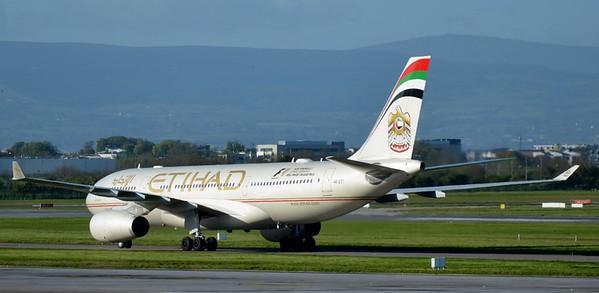 A6-EYT Dublin Airport 4 May 2015