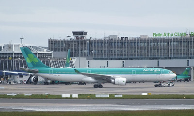 EI-ELA Dublin Airport 18 May 2013