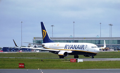EI-ENA Dublin Airport 18 May 2013