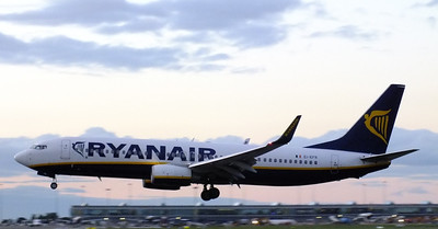 EI-EFR Dublin Airport 10 August 2013