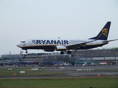 EI-DYV Dublin Airport 4 July 2013