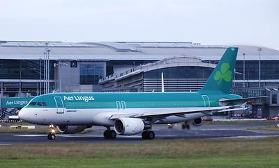 EI-DVH Dublin Airport 4 July 2013