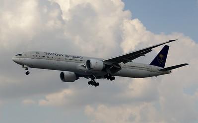 HZ-AK19 Heathrow 23 July 2016