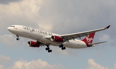 G-VINE Heathrow 23 July 2016