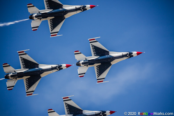 Thunderbirds 1-4 - Bottom Side