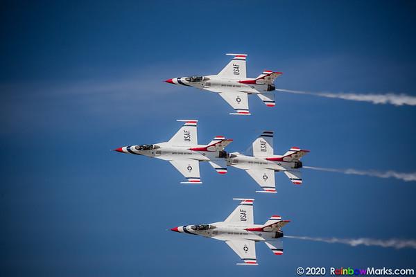 Thunderbirds 1-4 - on a pass