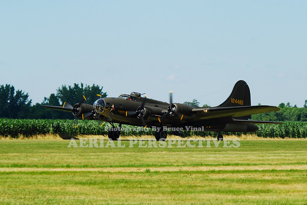 "N3703G - 1945 Boeing B-17G ""Memphis Belle"" Movie Version"