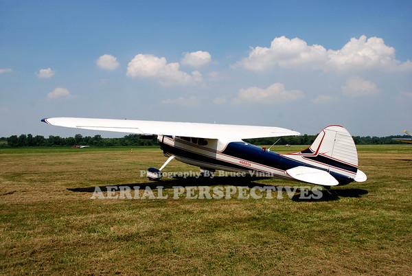 N9885A - 1950 Cessna 195B