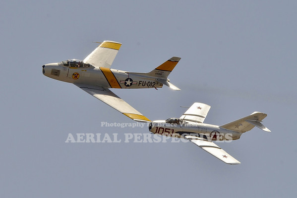 NX186AM - 1952 North American F-86F Pilot : Steve Hinton NX87CN - Mig 15  Pilot : Chris Fahey