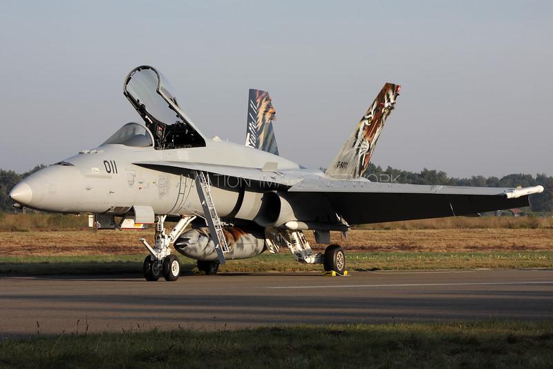 J-5011   McDonnell Douglas F/A-18C Hornet   Swiss Air Force