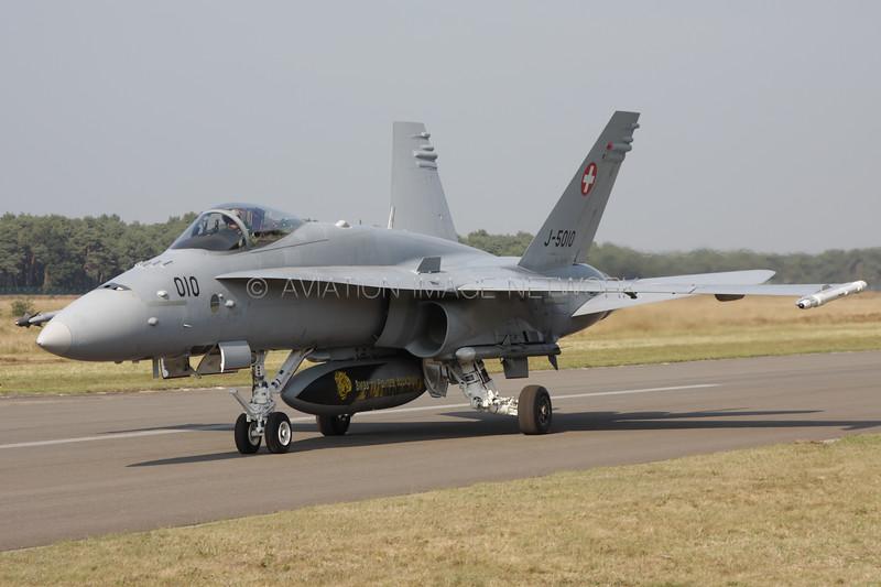 J-5010 | McDonnell Douglas F/A-18C Hornet | Swiss Air Force