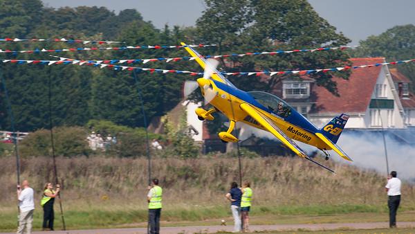Denny Dobson, Extra, Extra 300, Pilot, Shoreham, Shoreham 2005, aircraft, airshow