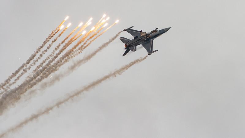 Belgium Air Force, F-16 Fighting Falcon, F-16AM, FA-131, Flares, Lockheed Martin, RIAT 2007, Viper