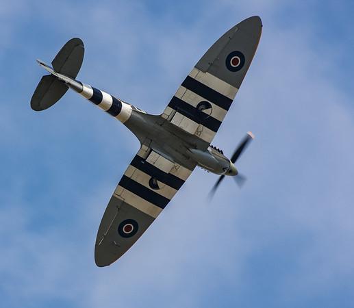 2 seat Conv., Grace Spitfire, ML407, Shoreham 2007, Spitfire, Spitfire Mk.IX, Supermarine, V-OU