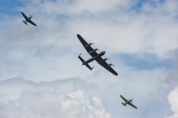 2008, Aerial Pagent, Avro, BQ-B, City of Lincon, HW-R, Hawker, Hurricane, Hurricane MK IIc, LF363 (BBMF), Lancaster B1, PA474, PS915, Phantom of the Ruhr, RIAT 2008, Spitfire, Spitfire PR Mk.XIX, Supermarine - 11/07/2008@14:49