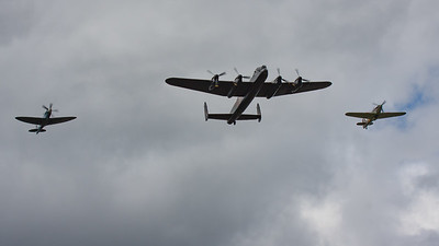 2008, Hawker, Hurricane, Hurricane MK IIc, LF363 (BBMF), PS915, RAF 90 Flypast, RIAT 2008, Spitfire, Spitfire PR Mk.XIX, Supermarine - 11/07/2008@14:33