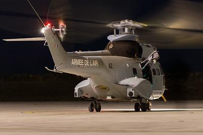 """Vol de nuit à l'EH 1/67 """"Pyrénées"""". SA330B """"Puma"""". BA120 Cazaux."""