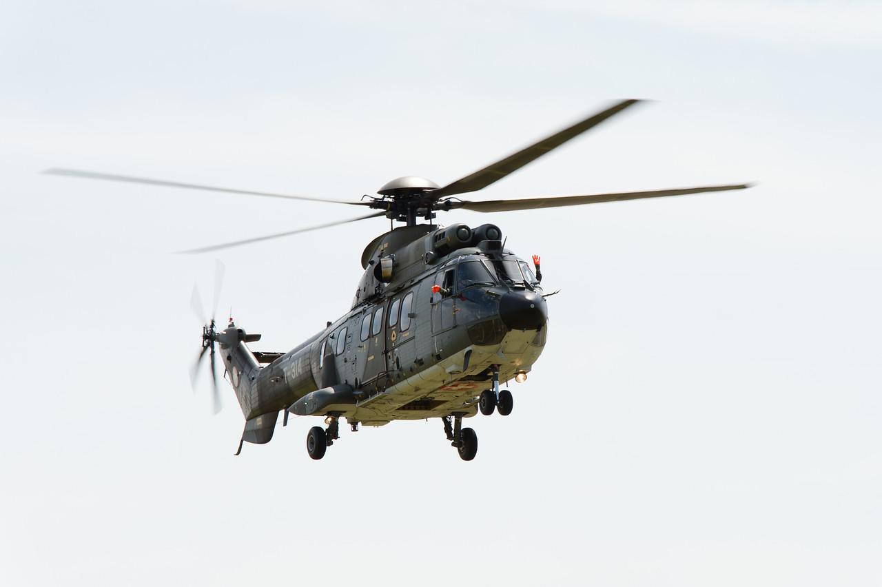 Aerospatiale TH89 Super Puma (AS-332M1) de l'armée de l'air suisse.