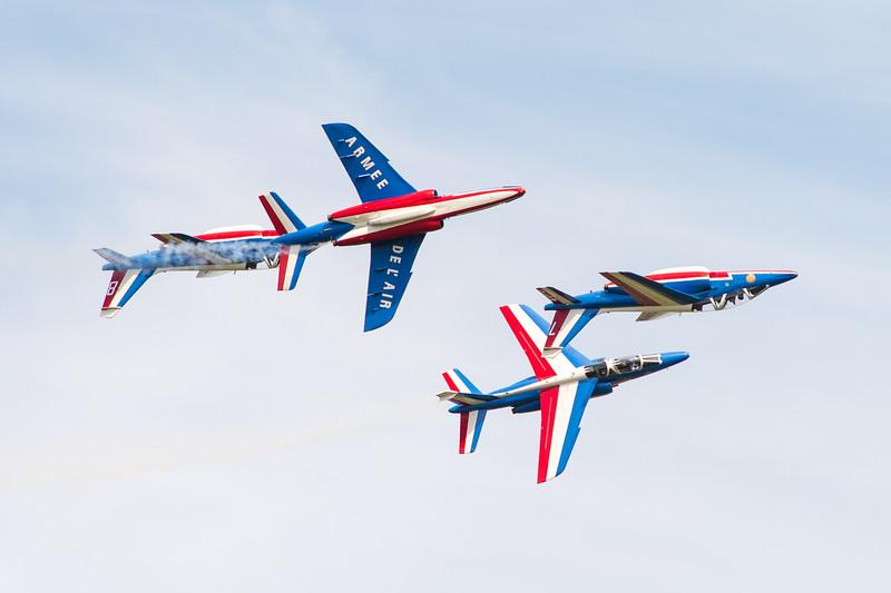 La Patrouille de France à Tours, pour le centième anniversaire de la base aérienne 705.