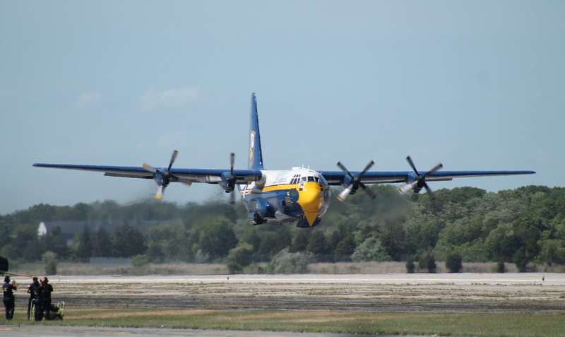 Blue Angels C130 [164763] Fat Albert.
