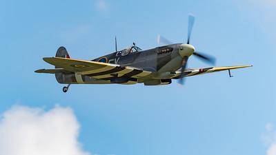 Kent Spitfire, Old Sarum, Spirit of Kent, Spitfire, Spitfire MK IXe, Supermarine, TA805, aircraft, airshow