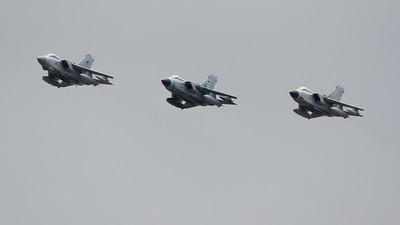 6-05, German Air Force, Italian Air Force, MM7025, Panavia Aircraft, RAF, RIAT 2015, Royal Air Force, Tornado A-200, Tornado GR.4, Tornado PA-200, Tri-National Tornado Training Establishment, ZA372
