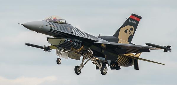 (Block 52), 88-0032, F-16 Fighting Falcon, F-16C, Lockheed Martin, RIAT2016, Solo Turk, Turkish Air Force, Viper (8.9Mp)