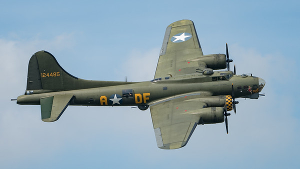 B-17, Boeing, Flying Fortress, G-BEDF, Sally B, Wings, Wings and Wheels 2017, sallyb.org.uk; Dunsfold Aerodrome,Waverley District,Surrey,England