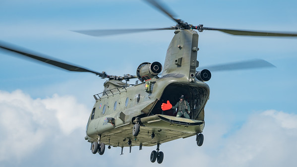 Boeing, Chinook, Chinook HC2, Wings, Wings and Wheels 2017, ZA670; Dunsfold Aerodrome,Waverley District,Surrey,England