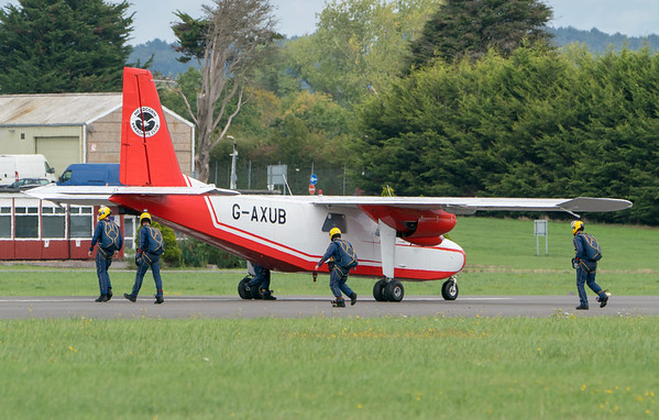 Britten-Norman BN-2A Islander, Dunsfold, The Tigers Army Parachute Display Team, Wings, Wings and Wheels - 25/08/2018:13:12