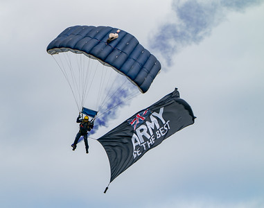 Dunsfold, The Tigers Army Parachute Display Team, Wings, Wings and Wheels - 25/08/2018:13:23