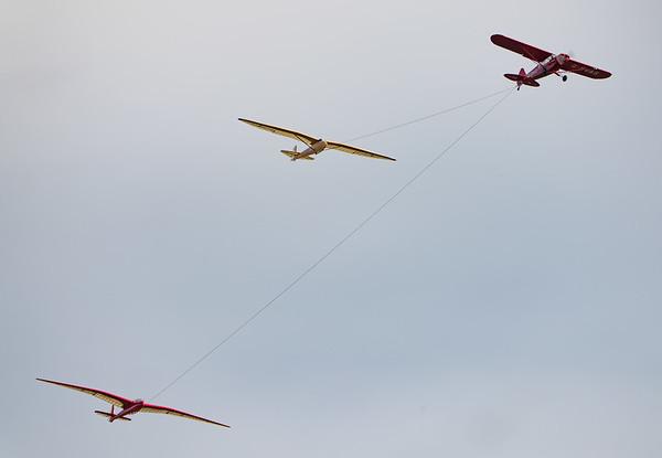 Aircraft-> Slingsby Sailplanes-> Kirby Kite, Aircraft-> Slingsby Sailplanes-> T.13 Petrel, Old Warden-> Race Day 2018-> Display-> Glider Race, Aircraft-> Piper-> Super Cub PA-18-150-> G-SVAS, Shuttleworth - 07/10/2018@13:44