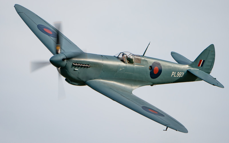 Old Warden-> Race Day 2018-> Display-> Lettis Curtis - Spitfire, Shuttleworth, Aircraft-> Vickers-Supermarine-> Spitfire-> PR.XI-> G-PRXI (PL983) - 07/10/2018@15:54