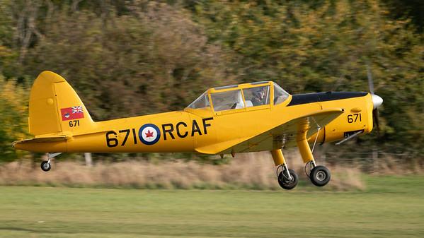 Shuttleworth, Old Warden-> Race Day 2018-> Display-> Mock Air Race 2, Aircraft-> de Havilland Canada-> Chipmunk T.22A-> 671 - 07/10/2018@15:06