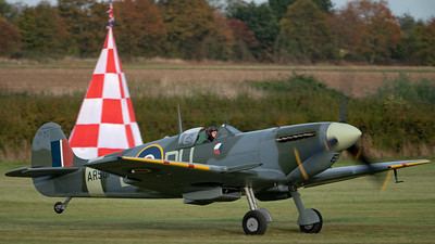 Shuttleworth, Old Warden-> Race Day 2018-> Display-> Schneider Trophy Tribute, Old Warden-> Race Day 2018, Aircraft-> Vickers-Supermarine-> Spitfire-> LF Mk. VC-> AR501 (G-AWII) - 07/10/2018@17:00