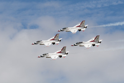 "USAF Thunderbirds Display Team ""Lockheed Martin F-16C/D Fighting Falcon""  (United States Air Force)"
