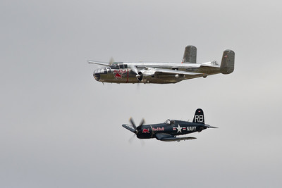 North American B 25J Mitchell & Chance Vought F4U-4 Corsair