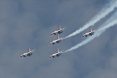 US Air Force Thunderbirds, General Dynamics F-16D Fighting Falcon