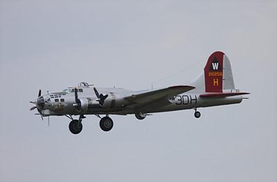 Boeing B-17G Flying Fortress, Aluminum Overcast
