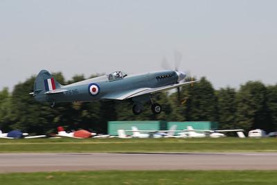 Supermarine Spitfire PR Mk XIX (Battle of Britain Memorial Flight)