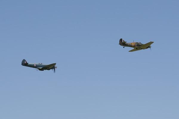 Supermarine Spitfire PR Mk XIX and Hawker Hurricane Mk.IIc (Battle of Britain Memorial Flight)